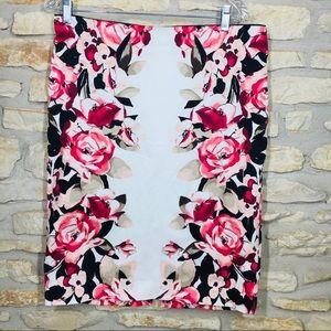 12 White House Black Market Pencil Rose Red Skirt